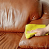 Nettoyer un canapé en cuir : quelques astuces!