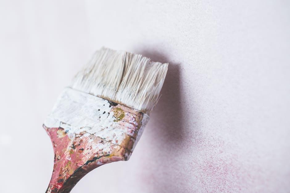 peinture-mur-pinceau