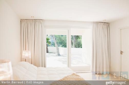 Nos conseils pour trouver les bons rideaux en fonction de votre modèle de fenêtre.