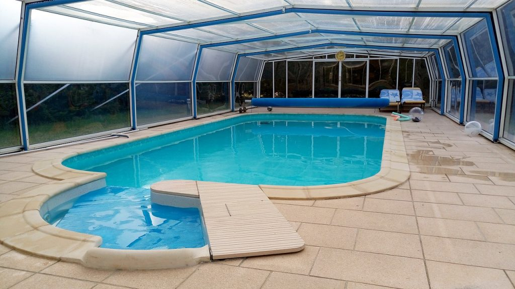 piscine sous abri