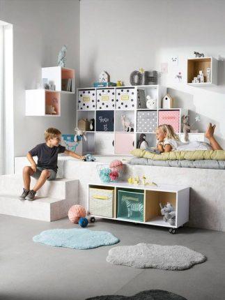enfants-jeu-chambre-jouets-fille-garcon-casiers-boites